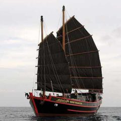 liveaboard bookings phuket
