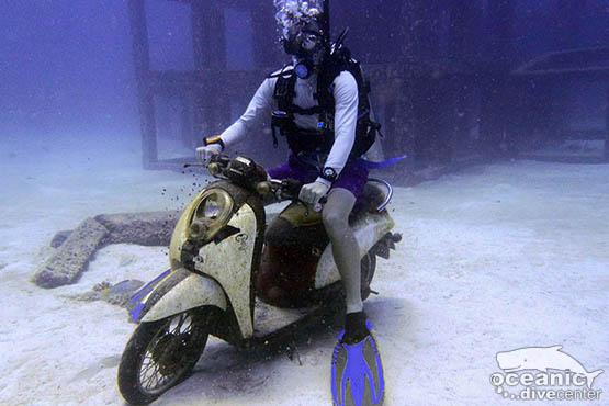 racha yai scooter wreck phuket