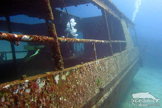 racha yai ship wreck phuket
